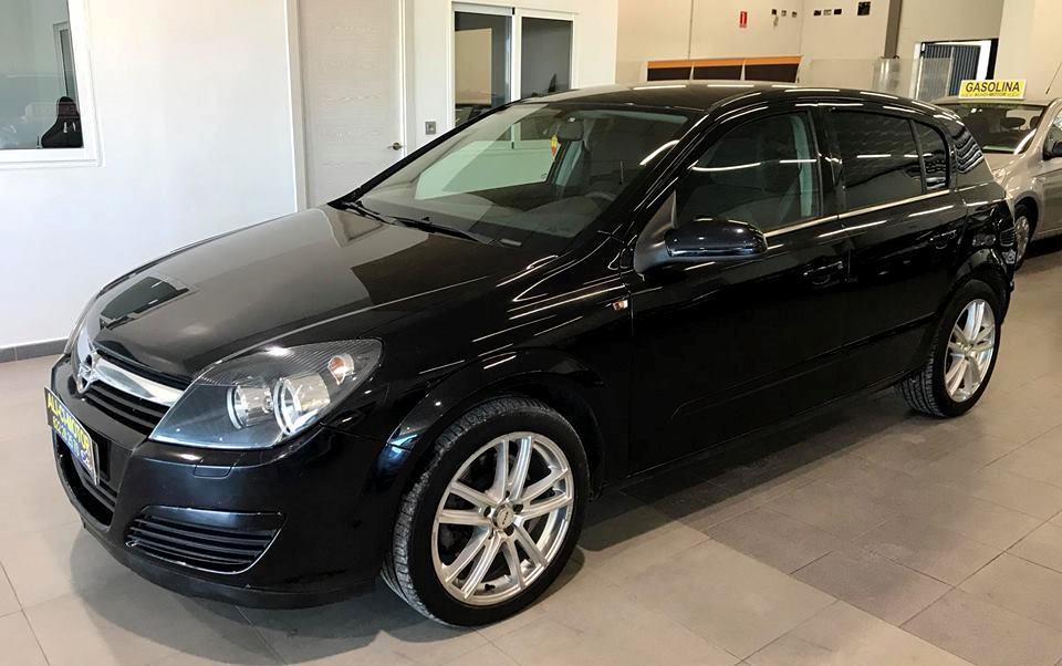 Coche Opel Astra de Ali Ci Motor, Cieza, Murcia.