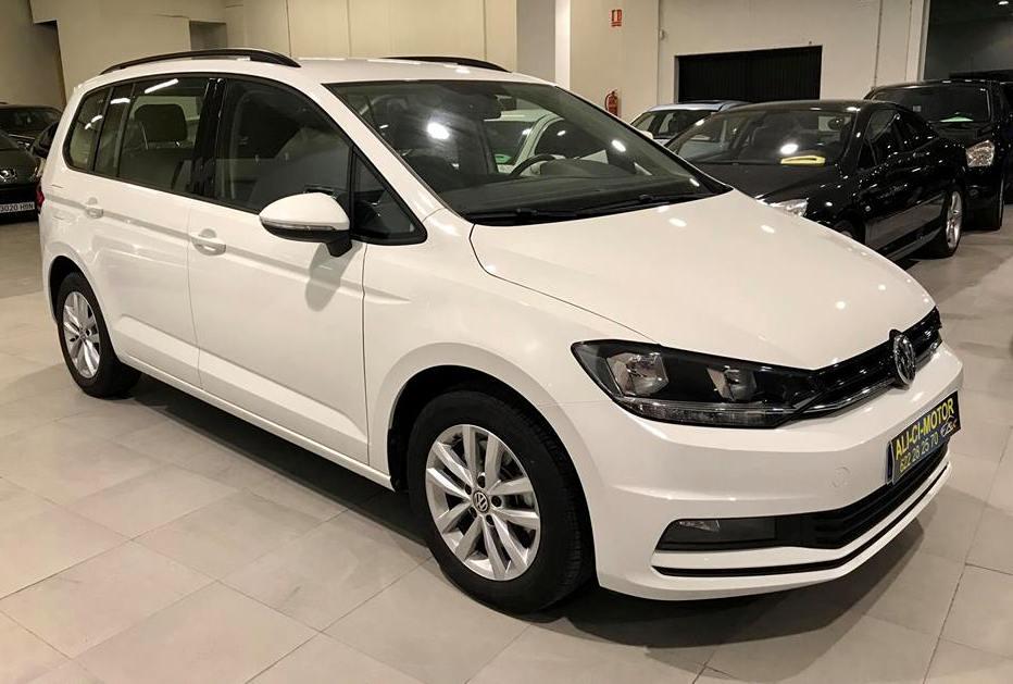 Coche Volkswagen Touran 7 plazas de Ali Ci Motor, Cieza, Murcia.