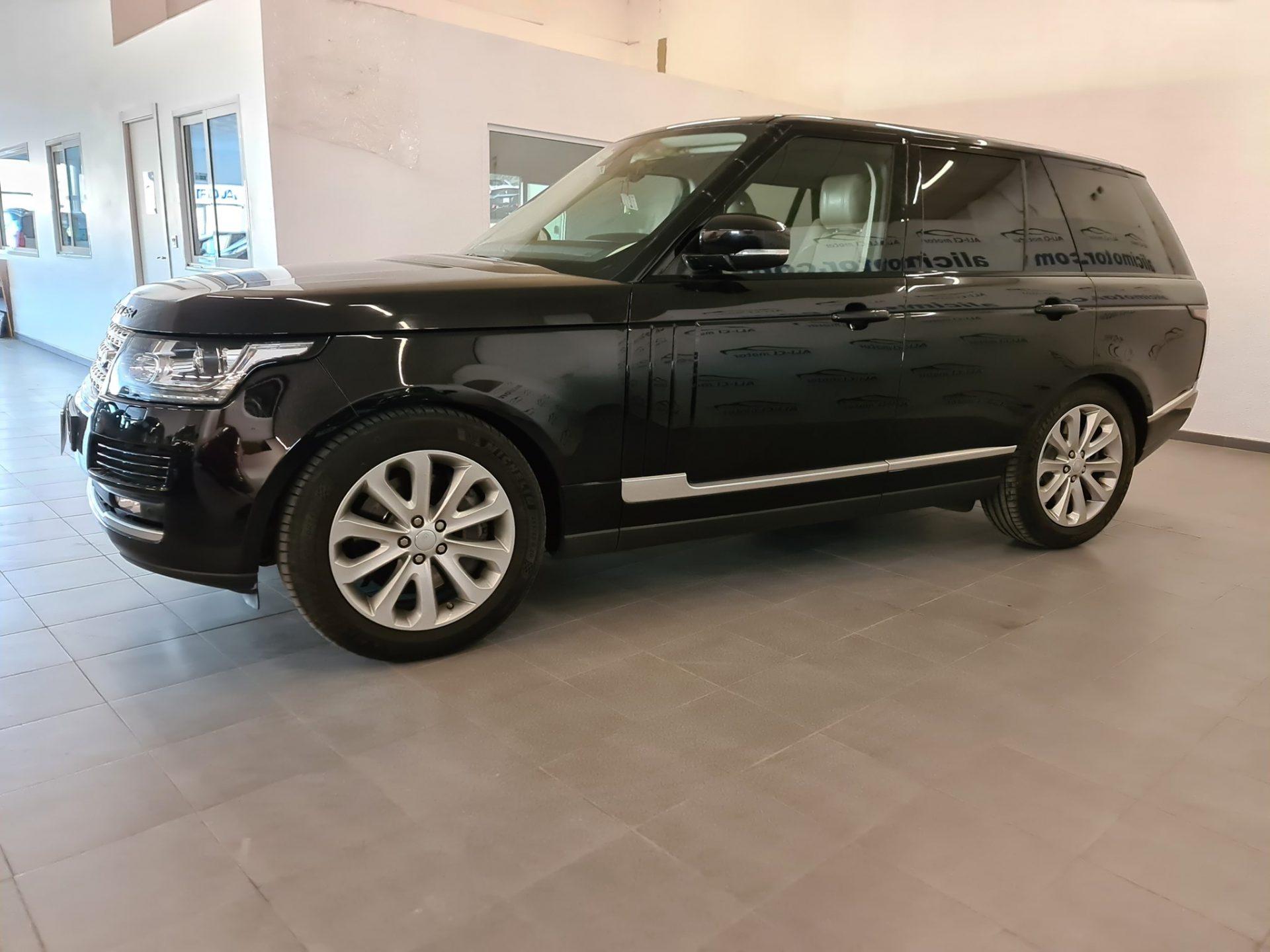 LAND-ROVER Range Rover 4.4 SDV8 249kW 339CV VOGUE 5p.